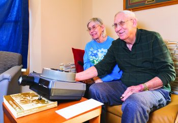 Dick Kowles, a retired professor of genetics and biology at Saint Mary's University, with wife, Rose. Mr. Kowles shares slide presentations with residents.